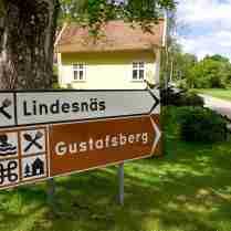 Vägskäl: lååånga backen mot Lindesnäs, eller gena direkt till Gustafsberg?