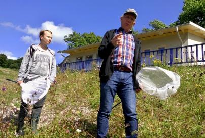 Dennis och Jan delade med sig av sina kunskaper och flora och insekter.