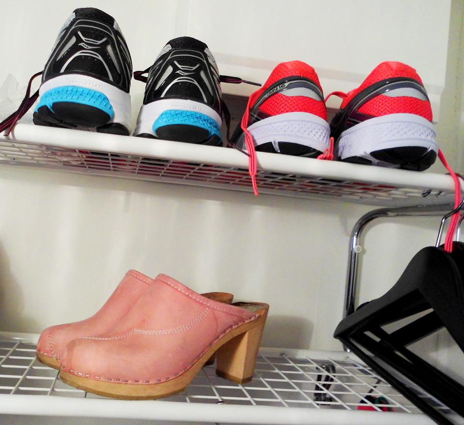 d55d5fe68fb Jag ska villigt erkänna: jag är ingen vidare minimalist när det gäller skor.  I min ägo finns skodon för varje tillfälle: Varma vinterkängor ...